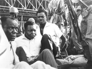 Patrice Lumumba, leiðtogi Kongó, látinn éta ræðu sína
