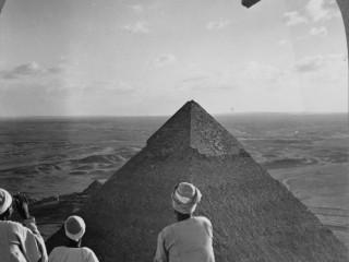 Zeppelin og píramídarnir miklu