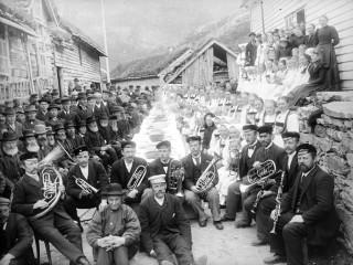 Nýjum vegi fagnað, 1898