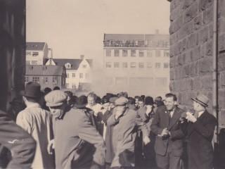 """""""Táragassprengjum kastað í allar áttir"""": Lýsingar frá NATO-mótmælunum 1949"""