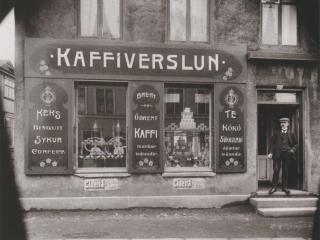 Kaffiverslun, Laugavegi, 1920