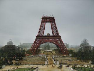 Eiffelturninn í byggingu. LITMYND