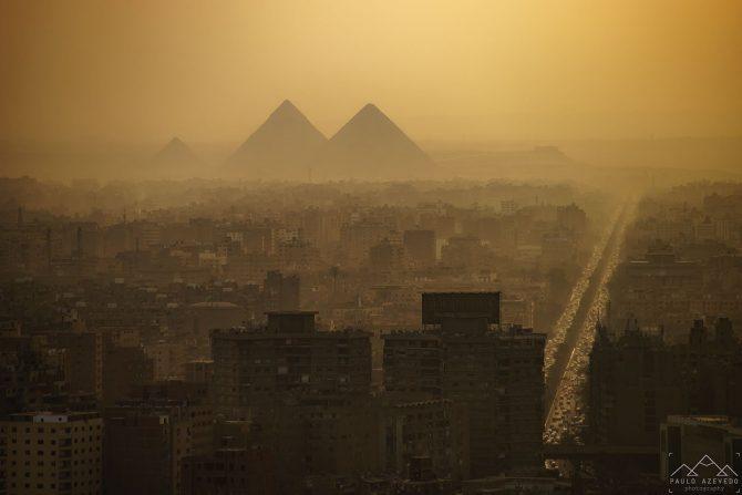 Pýramídarnir í Giza og stórborgin