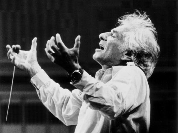 Leonard Bernstein og ósvaraða spurningin