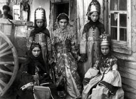 Stúlkur í Kákasus, 1890