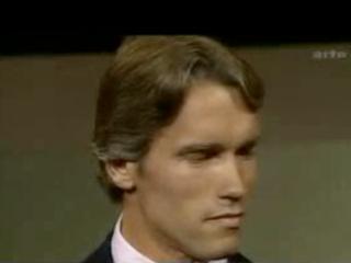 Schwarzenegger tjáir sig á þýsku