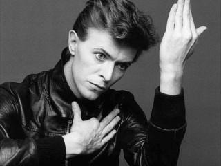 """David Bowie gaf út """"Heroes"""" á þýsku og frönsku"""