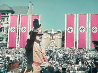 """Eina upptakan með """"venjulegu"""" rödd Hitlers"""