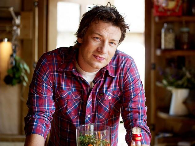 Jamie Oliver eldar þunnur eftir villt klúbbakvöld