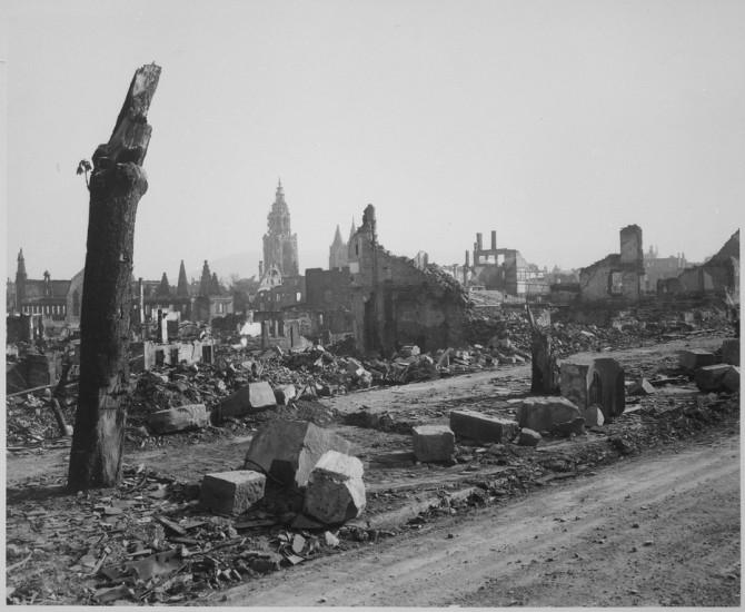 Rústir þýskrar borgar í apríl 1945