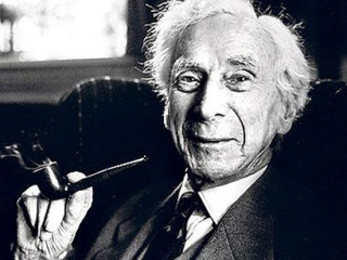 """Bertrand Russell: ,,Reykingar björguðu lífi mínu."""""""