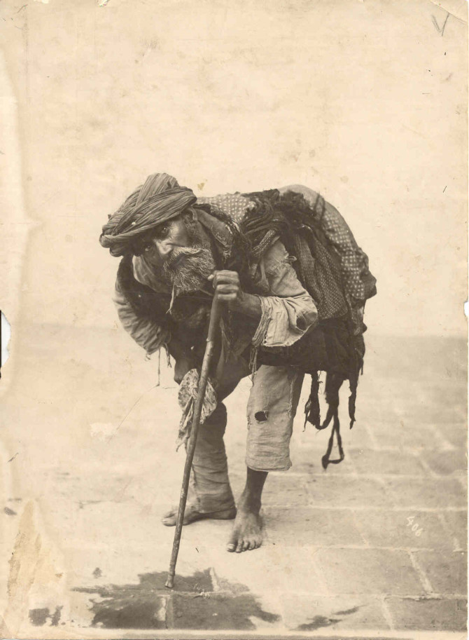 Betlari í Teheran, 1900
